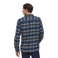 Patagonia Men's Long-Sleeved Fjord Flannel Shirt Independence: New Navy